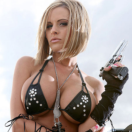 Супер-секси девушка, оружие и машина (13 фото) Эротика Лента приколов и эро